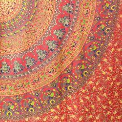 Narzuta bawełniana - mandala z pawiami - czerwień