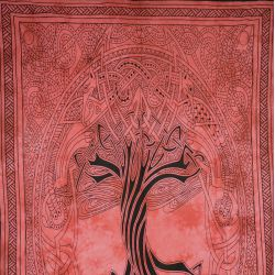 Obrus - makata - zasłona - mityczne drzewo - czerwień